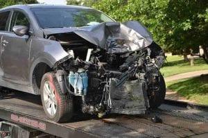 Unfallwagen auf Transporter